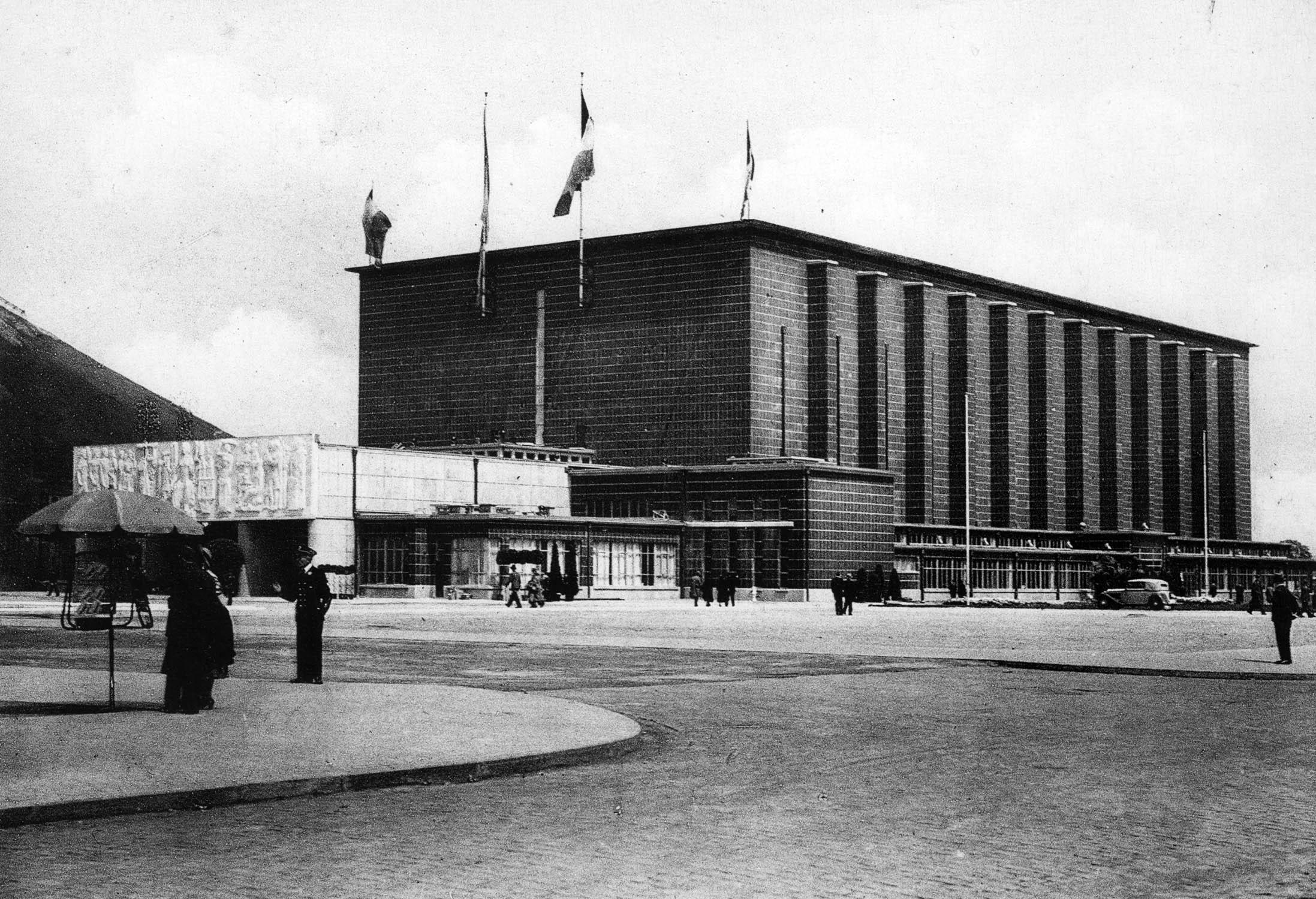 Exposition internationale de l 39 eau a liege liege 1939 for Architecte grand palais